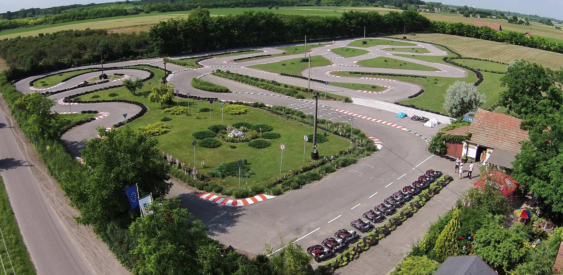 Willkommen in der Bognar Karting Park<p> </ p> Ungarns längste (820 m) gebaut, um einen Amateur Go-Kart-Bahn